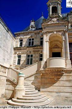 Escalier d'honneur, Hôtel de Ville, La Rochelle (Charente-Maritime)