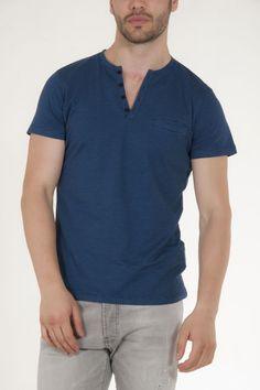 Κοντομάνικη μπλούζα μπλε με κουμπιά στην λαιμολοψη και ρίγες μαύρες αντρικό sorbino