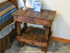And this one can clearly be called a vintage bedside table. Pallet wood used in recycling this one is quite broken and stained. We just focused on the fine staining of the bedside table and made it multi tiered so that storage space is not compromised.