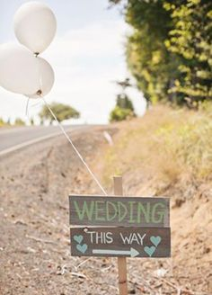 11 Ideas That Will Transform Your Backyard Into The Best Wedding Ever - Handmade wooden woodsy signs for directions