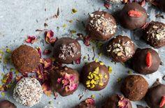 Chocolate Orange Bliss Balls from Lauren Caris Cooks Chocolate Orange, Vegan Chocolate, Chocolate Recipes, Chocolate Sweets, Chocolate Truffles, Vegan Truffles, Chocolate Shop, Chocolate Gifts, Chocolate Brownies