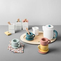 Wooden Toy Tea Set – Hearth & Hand™ with Magnolia : Target Tee-Set aus Holzspielzeug – Hearth & Hand ™ mit Magnolia: Target Tee Set, Wooden Serving Trays, Eco Friendly Toys, Wooden Dollhouse, Wood Toys, Wooden Baby Toys, Wooden Toys For Kids, Modern Kids Toys, Wooden Dolls