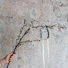 Handmade flower crown from Vienna. ❤ Exclusive custom made wedding crowns for brides ❤ Blumenkranz handgemacht in Wien anfertigen lassen. Boho, Handmade Flowers, Flower Crown, Bridesmaid, Design, Wedding, Floral Wreath, Getting Married, Flower Headdress