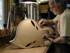 guitarbage: Monteleone in the shop