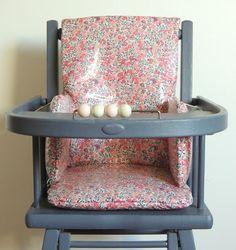 Coussin de chaise haute en Liberty enduit Demeure des Anges Chair, Furniture, Home Decor, Kids, Baby, Baby Sewing Projects, Angels, Cement Render, Children