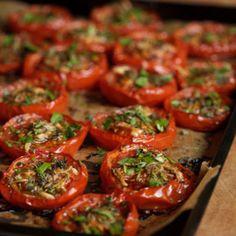 Grilled Rosemary Plum Tomatoes - 1 tablespoon minced shallots  1 1/2 teaspoons olive oil  1 teaspoon chopped fresh rosemary  1/2 teaspoon grated lemon rind  1/2 teaspoon freshly ground black pepper  1/4 teaspoon salt  8 plum tomatoes, halved lengthwise