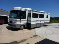 2000 Winnebago Brave for sale by owner on RV Registry http://www.rvregistry.com/used-rv/1011020.htm