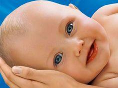 Κόλπα για να είναι το μωρό σας πάντα γελαστό