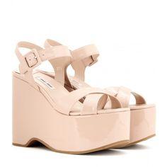 Miu Miu Patent Leather Platform Wedge Sandals (53.650 RUB) ❤ liked on Polyvore