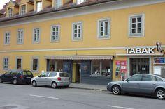 Heinrichstraße 51: Auch legendär in diesem Viertel - Feinkost Watzl, wo der Chef noch persönlich an der Kassa stand. Heute italienische Leckerbissen im Uni Eno. Chef, Uni, Display, Graz