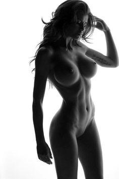 Nudità femminile