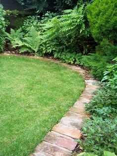 Unique Lawn-Edging Ideas To Totally Transform Your Yard Outdoors Landscape border ideas are a great way to change the look of a backyard, patio, or deck. These ideas can be used to help make the area seem bigger or ... Brick Landscape Edging, Brick Garden Edging, Lawn Edging, Garden Borders, Landscape Design, Garden Border Edging, Garden Boarders Ideas, Garden Ideas With Bricks, Landscape Architecture