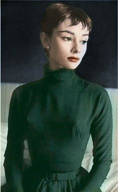 Audrey Hepburn recolouring || Audrey Hepburn || (Edit owned by Miriam Hannah Robinson)