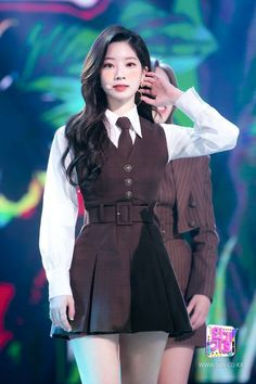 Kpop Fashion Outfits, Stage Outfits, Girl Fashion, Girl Outfits, Kpop Girl Groups, Korean Girl Groups, Kpop Girls, Cool Girl, My Girl