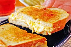 There is no denying it, this is truly the Ultimate Grilled Cheese Sandwich. You see, when we made it, this dish disappeared so fast in our Test Kitchen it barely even had time to cool! Delicious Sandwiches, Wrap Sandwiches, Easy Delicious Recipes, Tasty, Ultimate Grilled Cheese, Grilled Ham, Grilled Sandwich, Deli Ham, Pizza