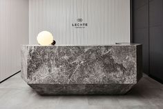 Modern Reception Desks Design Inspiration – The Architects Diary – Modern Corporate Office Design Modern Reception Desk, Reception Desk Design, Lobby Reception, Reception Areas, Hotel Reception Desk, Lobby Interior, Office Interior Design, Office Interiors, Minimalist Decor
