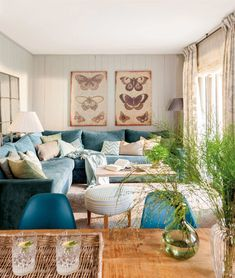 Beautiful Turquoise Room Ideas for Inspiration Modern Interior Design and Decor. Find ideas and inspiration for Turquoise Room to add to your own home. Cozy Family Rooms, Family Room Design, Small Living Rooms, Living Room Designs, Living Room Decor, House Of Turquoise, Living Room Turquoise, Cozy House, Home Decor Inspiration