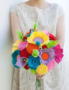 The Best Quirky Wedding Accessories To Really Stand Out - Flohra | CHWV