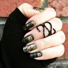 'Night fright' is my favourite halloween wrap! Will go with any costume! #jamberry #manicure #jamicure #halloween #skeleton #nailwraps #jams #nails #designideas #spooky #skull