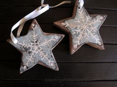 Two Reclaimed Wood Christmas Stars - Scavenger Chic Pallet Wood, Wood Pallets, Christmas Star, Christmas Ornaments, Wood Projects, Craft Projects, Holiday Time, Furniture Makeover, Woodworking Ideas