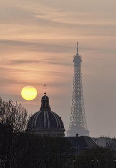 A beautiful sunset in Paris