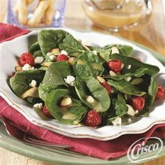 Spinach+Salad+with+Raspberry+Vinaigrette from Crisco®