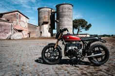 BMW Brat Style by Dragoni Moto #motorcycles #bratstyle #motos | caferacerpasion.com