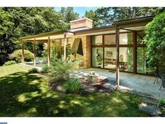 501 E Birch Ln, Wyndmoor, PA 19038 - Home For Sale and Real Estate Listing - realtor.com®