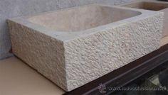 Pila o fregadero de piedra.Medida 63 x 52 x 20 cm