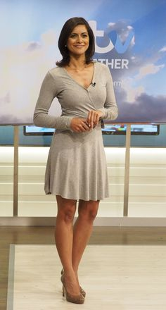 images of lucy verasamy hair styles Itv Weather Girl, Weather Girl Lucy, Hottest Weather Girls, Sexy Older Women, Sexy Women, Sexy Outfits, Sexy Dresses, Animatrices Tv, Tv Girls