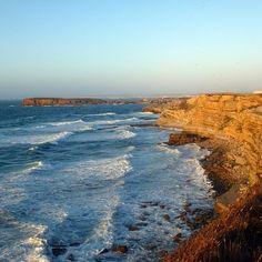 Einfach weil es so schön war. .. Welchen Ort vergisst du nie? #print jetzt deine schönsten #erinnerung auf ein #poster von @socialprint.ch! #peniche #nature #steilküste #meer #surfen #surfspot #atlantik #praia #wellen #portugal #visitportugal #traumbucht #instapics #instaprint #fotogeschenk #wandschmuck #socialprint #printyoursociallife #deko #fotooftheday #picoftheday