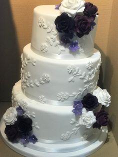 3 Tier Wedding Cakes, Purple Wedding Cakes, Vintage Cupcake, Purple Roses, Desserts, Tailgate Desserts, Deserts, Lilac Wedding Cakes, Purple Rose