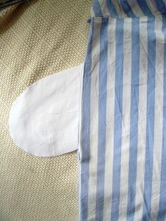 How to sew pockets! Just what I need. These are going in my wedding dress for realz.