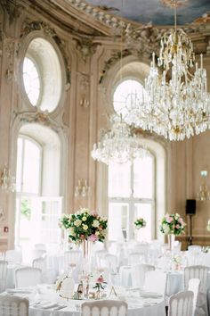 wedding Laxenburg palace, Austria photo: Tanja Schilling Photography Reception Design, Wedding Reception Venues, Reception Ideas, Round Wedding Tables, Table Wedding, Austria, Wedding Decorations, Table Decorations, Real Weddings