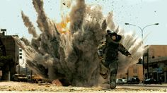 Bommen ontmantelen is een van de vakken die de leerlingen krijgen als spion. Ze moeten leren omgaan met bommen en ze leren ontmantelen. Ze moeten in stressvolle situaties leren zichzelf te beheersen en rustig een bom proberen te ontmantelen.