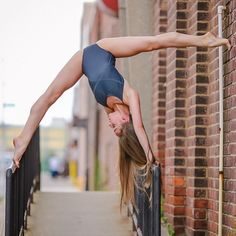 Ballet poses - Tate Mcrae