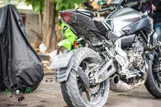 Splashguard superimposed with carbon fiber, with or without license plate holder+LED light for Yamaha MT07 & FZ07, info on: http://anunaki-parts.com/en/yamaha-fz-07-mt-07/377-ecn-splashguard-mt07-fz07-yamaha-fz-07-mt-07.html