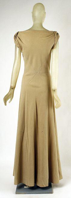 Evening dress Madeleine Vionnet (French, Chilleurs-aux-Bois 1876–1975 Paris)  Date: 1934–35 Culture: French Medium: wool. Back