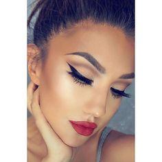 Ποιο #μακιγιάζ προτιμάτε για αυτή την εποχή; Για ραντεβού στο σπίτι σας στο τηλέφωνο 21 5505 0707! . . . #γυναικα #myhomebeaute #ομορφιά #καλλυντικά #καλλυντικα #μακιγιαζ #ματια #μολύβι #eyeliner #μακιγιαζ #κραγιόν #κραγιον #χριστουγεννα #χριστούγεννα #κοκκινο #κοκκινο