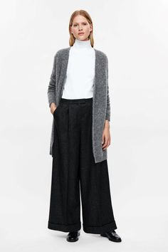 This open-front cardigan is made from an extra soft blend of mohair and wool with a soft, fuzzy finish. A relaxed, slightly oversized fit, it is finished with chunky ribbed edges.