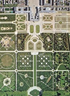 The immense gardens of the Palace of Versailles, Paris, France.  Photo taken by satellite.  Amazing. #heritage #culture #myt