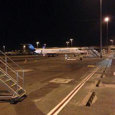 Skywest Airlines (Australia) Fokker 100 Perth Airport @docker_dave