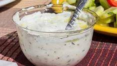 Cum se face reteta de Sos rapid pentru fripturi Romanian Food, Tzatziki, Baby Food Recipes, Pesto, Food And Drink, Caramel, Pudding, Meals, Cooking