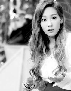 snsd bw taeyeon girls generation girls' generation kim taeyeon bw kpop snsd ❤❤