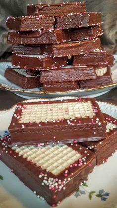 Domáci TATRANKY jako z obchoďáku. Celkem z tohoto množstvi krému je 36 ks… Yummy Treats, Delicious Desserts, Dessert Recipes, Yummy Food, Slovak Recipes, Cupcakes, No Bake Cookies, Yummy Cakes, Sweet Tooth
