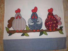 Depois de muito tempo vim postar mais alguns dos meus trabalhos em panos de prato:  Galinhas no Galho...Patchwork Galinha com pintinhos......