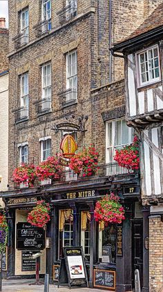 Used to frequent here on our weekend visits to Cambridge, when we lived in Littleport. The Mitre Pub - Cambridge, England