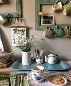 shabby chic decor cottage Vintage kitchen with mugs and ceramics How to Build a Simple Potting Bench Cozinha Shabby Chic, Casa Retro, Cerámica Ideas, Decor Ideas, Deco Champetre, Vintage Kitchen Decor, The Design Files, Ceramic Decor, Eclectic Decor