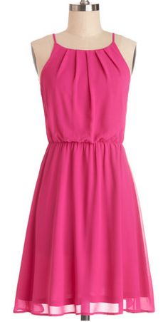 darling pleated #fuchsia dress  http://rstyle.me/n/gjykmpdpe