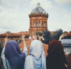 Dpz for girls Modest Fashion Hijab, Stylish Hijab, Sister Pictures, Best Friend Pictures, Best Friend Photography, Girl Photography Poses, Hijabi Girl, Girl Hijab, Stylish Girl Images